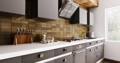 Cocinas grises y doradas